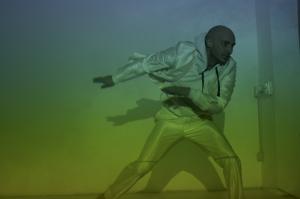 Spazio corpo e potere spettacolo, Darkroom di e con Marco De Meo